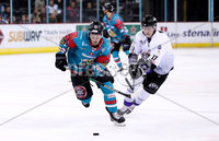 Press Eye - Belfast -  Northern Ireland - 10th March 2018 - Photo by William Cherry/Presseye. Belfast Giants Darcy Murphy with Braehead Clan\'s Michal Gutwald during Saturday evenings Elite Ice Hockey League game at the SSE Arena, Belfast.