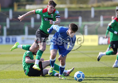 Glentoran vs Dungannon Swifts