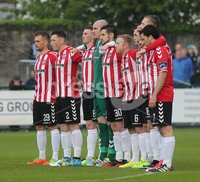 ©/Presseye.com - 19th May 2017.  Press Eye Ltd - Northern Ireland - Airtricity League Premier Division - Derry City V Shamrock Rovers. Derry players during the minute\'s silence in memory of Hunan \'Busty\' Blake.. Mandatory Credit Photo Lorcan Doherty / Presseye.com