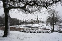 ©Lorcan Doherty February 12th 2018. Mid Term Break Snow Fall. Brooke Park, Derry.