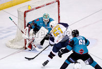 Press Eye - Belfast -  Northern Ireland - 10th October 2018 - Photo by William Cherry/Presseye. Guildford Flames\' Kruise Reddick scoring against Belfast Giants\' Tyler Beskorowany during Wednesday nights Elite Ice Hockey League game at the SSE Arena, Belfast.        Photo by William Cherry/Presseye.