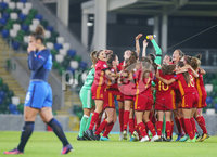 Press Eye Belfast - Northern Ireland 8th August 2017. 2017 UEFA Women\'s Under-19 Championship Final at the National Stadium at Windsor Park, Belfast.  France Vs Spain. Spain celebrate after winning the final 2-3. . Picture by Jonathan Porter/PressEye.com.