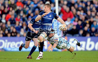 RaboDirect PRO 12 Play-Off, RDS, Dublin 12/5/2012. Leinster vs Glasgow Warriors. Leinster\'s Jamie Heaslip gets away from Ryan Grant of Glasgow. Mandatory Credit ©INPHO/James Crombie
