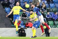Danske Bank Premiership, Windsor Park, Belfast 10/2/2018. Linfield vs Dungannon Swifts. Linfield\'s Mark Stafford in action with Cormac Burke and Terry Fitzpatrick of Dungannon. Mandatory Credit ©INPHO/Declan Roughan