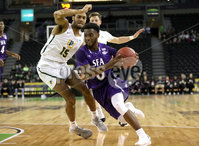 Press Eye - Belfast -  Northern Ireland - 30th November 2018 - Photo by William Cherry/Presseye. San Francisco\'s Nate Renfro with Stephen F. Austin\'s Aaron Augustin during Friday afternoons game in the Goliath bracket of the Basketball Hall of Fame Belfast Classic at the SSE Arena, Belfast.
