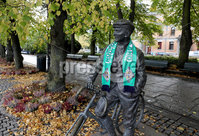 Press Eye - Belfast -  Northern Ireland - 07th October 2017 - Photo by William Cherry/Presseye. Northern Ireland fans put a scarf on a statue in Oslo ahead of Sundays World Cup Qualifier against Norway at the Ullevaal Stadion, Oslo.   Photo by William Cherry/Presseye