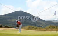 2018 Dubai Duty Free Irish Open, Ballyliffin Golf Club, Co. Donegal 8/7/2018. Erik van Rooyen on the 2nd green. Mandatory Credit ©INPHO/Oisin Keniry