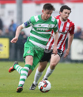 ©/Presseye.com - 19th May 2017.  Press Eye Ltd - Northern Ireland - Airtricity League Premier Division - Derry City V Shamrock Rovers. Shamrock Rovers\'s Ronan Finn and Derry\'s Barry McNamee.. Mandatory Credit Photo Lorcan Doherty / Presseye.com