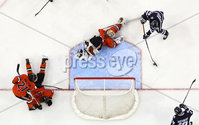 Press Eye - Belfast, Northern Ireland - 30th November 2019 - Photo by William Cherry/Presseye. UNH Wildcats\' Liam Blackburn scoring against Princeton Tigers\' Ryan Ferland during Saturday afternoons Friendship Four game at the SSE Arena, Belfast.      Photo by William Cherry/Presseye