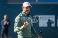 2018 Dubai Duty Free Irish Open - Day 1, Ballyliffin Golf Club, Co. Donegal 5/7/2018. Rory McIlroy salutes the crowd on the 18th green. Mandatory Credit ©INPHO/Oisin Keniry