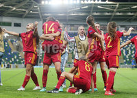 Press Eye Belfast - Northern Ireland 8th August 2017. 2017 UEFA Women\'s Under-19 Championship Final at the National Stadium at Windsor Park, Belfast.  France Vs Spain. Spain celebrate after scoring in the last minute to make it 2-3.. Picture by Jonathan Porter/PressEye.com.